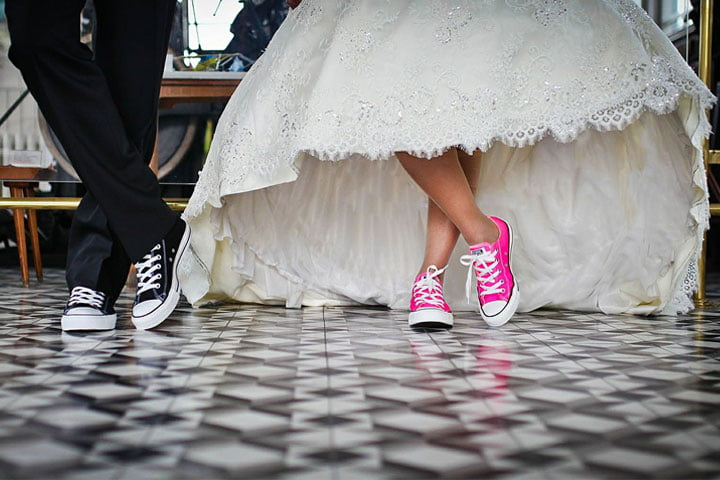 מתחתנים עם נעלי ספורט