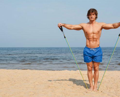 אימון עם גומיה בחוף
