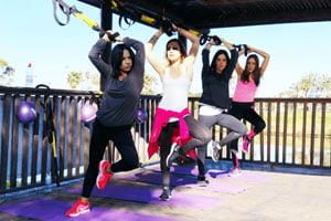 אימון TRX קבוצתי בפארק